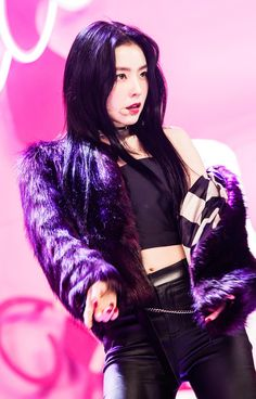 10+ Photos Of Irene Looking Hot In Leather Pants