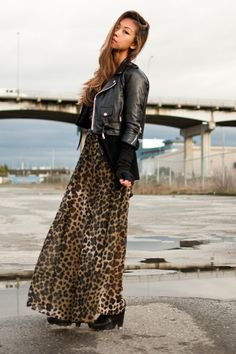 Nice combo...leather and leopard!  hmmmm might try this for fall/winter :-)