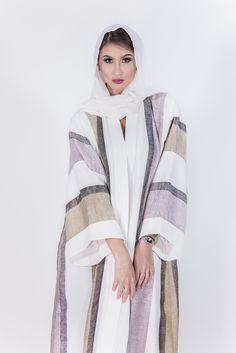white stripes abaya More Arab Fashion, Islamic Fashion, Muslim Fashion, Modest Fashion, Unique Fashion, Fashion Outfits, Modest Wear, Modest Outfits, Stylish Outfits