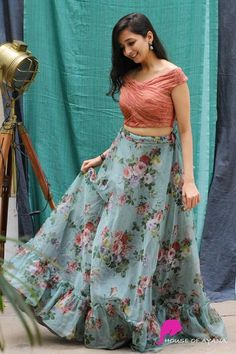 Western Wear Dresses, Party Wear Indian Dresses, Designer Party Wear Dresses, Indian Gowns Dresses, Dress Indian Style, Indian Fashion Dresses, Indian Designer Outfits, Designer Gowns, Indian Skirt And Top