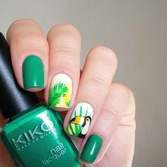 mewrina-toucan-nails