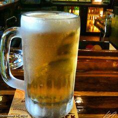 凍ったグラスで #frozen#mug#sanmig#draft#light#beer#food#philippines #フィリピン#ビール