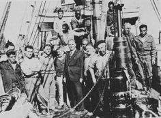 Città Nostra - il giornale dei molesi www.citta-nostra.it800 × 587Ricerca tramite immagine 1930 - L'armatore con i marinai (primi pescherecci a motore)