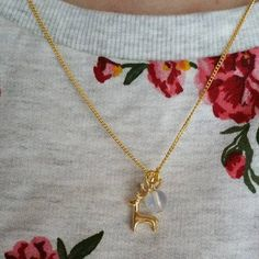 #Tag6 #diekreativeWoche  Mein Liebling aus der Deluxe-Edition ist der Mini-Hirsch <3 Durch die Arbeit mit Goldketten bin ich auf den Geschmack gekommen und hab festgestellt dass ich auch Goldketten tragen kann :) (dachte vorher immer das wäre nicht meine Farbe aber gerade im Sommer ein MUSS weil es einfach zu gut aussieht auf gebräunter Haut) http://ift.tt/1WpADqG