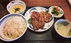【定食男子】  東京に来たら必ず寄ってしまいます  #牛タン#beeftongue#肉#meat #ランチ#lunch#炭火焼#牛肉#beef  #厚切り#麦飯#麦とろ#テールスープ #旅#journey#旅行#travel#trip #牛タンねぎし #東京#tokyo#日本#japan #定食男子 #株式会社気高不動産