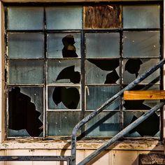 #bobbiandleesphotoadventures #welltravelled in #losangeles #sanpedro #industrial  #rust #abstract . . . . . . . . . . . #chasinglight #toldwithexposure #acolorstory #colorhunters #colorlove #justgoshoot