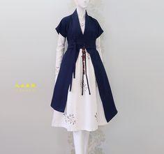 Korean Traditional Dress, Traditional Dresses, Dress Outfits, Fashion Dresses, Lolita Mode, Stylish Dress Designs, Frack, Dress Tutorials, Fashion Design Sketches