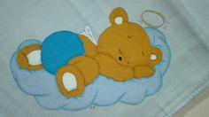 Fralda azul 100%co com um ursinho dorminhoco. Há espera do toque final e de uma companhia.  #encomendas #umtoquedeamorebomgosto