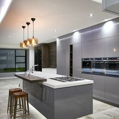 #ThrowbackThursday to this incredibly sleek kitchen design we created for a house in Houghton.  Visit www.linearconcepts.co.za to view our kitchen designs.  #linearconcepts #kitchentrends #kitchentrends2020 #luxurykitchens #kitchendesigns #luxurydesigns #luxuryliving #italiankitchens #dreamkitchens #exclusivekitchens #bespokekitchens #contemporarykitchens #designerkitchens #minimalistkitchens Bespoke Kitchens, Luxury Kitchens, Modern Kitchens, High Gloss Kitchen, Kitchen Trends, Kitchen Designs, Minimalist Kitchen, Kitchen Cupboards, Beautiful Kitchens