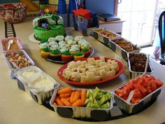 thomas the train party ideas | Not a website! just this picture Thomas the train birthday party