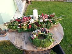 All Souls Arrangements / cemetery floral arrangements- Dušičkové aranžmány/cemetery floral arrangements All Souls Arrangements / cemetery floral arrangements - Autumn Wreaths, Christmas Wreaths, Christmas Decorations, Holiday Decor, Art Floral Noel, Grave Decorations, Fall Flower Arrangements, Floral Hoops, Deco Floral