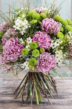 букет розовой гвоздики, аравийского звездного цветка (ornithogalum ara — Стоковое изображение #60506193