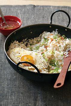 Filipino Garlic Fried Rice with Vinegar Sauce (Sinangag) Recipe on Yummly. @yummly #recipe