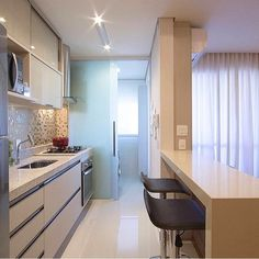 Browse photos of Small kitchen designs. Discover inspiration for your Small kitchen remodel or upgrade with ideas for organization, layout and decor. House Design, House Interior, Home Kitchens, Kitchen Remodel Small, Home, Kitchen Design, Home N Decor, Home Decor, Small Apartments