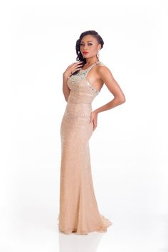 Queen Celestine, Miss Nigeria, looks drop-dead gorgeous in this form-fitting gown.