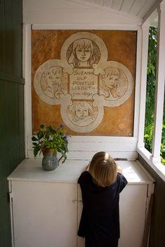 Sundborn – the artist Carl Larssons house Carl Larsson, Folk Style, Sidewalk Art, Folk Fashion, Public Art, Murals, Sweden, Illustrators, Graffiti