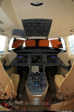 Dassault Falcon 7X Dassault Falcon 7x, Bunker Hill, Flight Deck, Space Crafts, Luxury Life, Design Projects, Aircraft, Private Jets, Aeroplanes