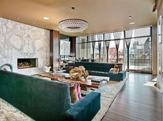 Alicia Keys' living room, 30 Crosby St, NYNY. Previous owner: Lenny Kravitz.  17.9 million is the price.