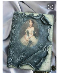Mixed Media Art - Scrapbook by Heather's Craft Studio Mixed Media Boxes, Mixed Media Canvas, Mixed Media Art, Mix Media, Arte Peculiar, Diy And Crafts, Arts And Crafts, Decoupage Box, Diy Crystals