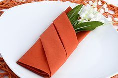 Fashion and Lifestyle Paper Flowers Craft, Flower Crafts, Sewing Courses, Kitchenware, Tableware, Diy Crafts To Do, Napkin Folding, Wedding Napkins, Party