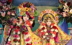 To view KIshore Kishori Close Up Wallpaper of ISKCON Chicago in difference sizes visit - http://harekrishnawallpapers.com/sri-sri-kishore-kishori-close-up-iskcon-chicago-wallpaper-001/