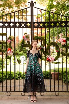See the complete Lela Rose Resort 2018 collection.