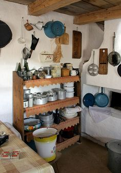 Hungarian folk architecture: traditional kitchen /parasztház konyhája