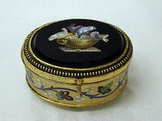 Miniature jewel box, late 19th century. Italian. The Metropolitan Museum of Art, New York. Gift of Herbert K. Reis, in memory of Rose-Frances K. Reis (Mrs. Ralph A. Reis), 1983 (1983.575.7)