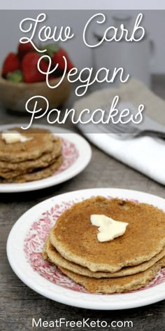 These gluten free low carb vegan pancakes are the perfect breakfast for a nice relaxing weekend morning. Theyre dairy free egg free soy free and sugar free as well as being high in protein fiber and fatty acids. The perfect keto pancake Vegan Keto Diet, Vegan Keto Recipes, Vegetarian Keto, Low Carb Recipes, Protein Recipes, Pancakes Végétaliens, Dairy Free Pancakes, Low Carb Pancakes, Breakfast Pancakes
