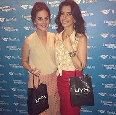 As blogueiras Victoria Ceridono e Camila Coutinho