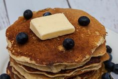 Sourdough pancakes recipe - fluffy and delicious | Foodgeek Delicious Breakfast Recipes, Yummy Food, Vegetarian Pancakes, Sourdough Pancakes, Pancake Calories, Sour Taste, Fluffy Pancakes, Recipe Please, Recipe Today