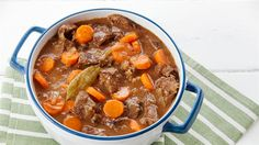 This hearty, gorgeously tender beef casserole recipe is packed with lovely chunky veg and packed full of flavour. Best Casserole Recipes Ever, Healthy Casserole Recipes, Meat Recipes, Wine Recipes, Cooking Recipes, Recipies, Cooking Beef, Meatball Recipes, Vegetable Soup With Chicken