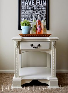 Vanilla Frosting Side Tables #DIY #furniturepainting #refinished - www.countrychicpaint.com/blog