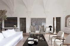 PALAU DE CASAVELLS: A 15th Century Palace Turns Gallery & Weekend Home  |  Photo by Raul Candales Franch