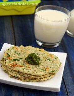 A traditional Gujarati dish, Chola Dal Pudla is a scrumptious pancake made of a batter of soaked and ground chola dal fortified with chopped fenugreek leaves and other common flavour enhancing ingredients. You will find these succulent, crisp pancakes to be filling and tasty, even better than the quick-fix versions made using besan.
