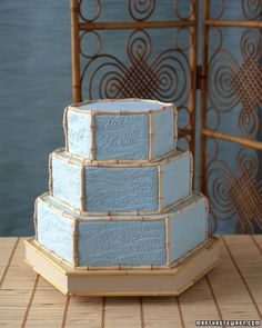 Asian-Inspired Wedding Cake Fondant bamboo borders and varied wave impressions give this vanilla-and-mocha marble cake a modern, Asian-inspired aesthetic. The wooden cake board, edged in pieces of real bamboo, mimics the shape and look of the cake Fondant Wedding Cakes, Purple Wedding Cakes, Unique Wedding Cakes, Wedding Desserts, Unique Weddings, Blue Wedding, Dream Wedding, Country Weddings, Pretty Cakes