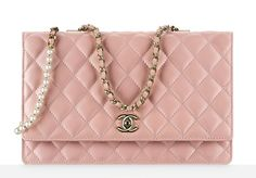 Check Out 59 Of Chanel S Beautiful Fall 2017 Bags Complete With Prices Pink Bag