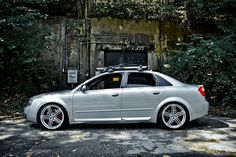 "Audi ""Peelers"" B6 S4"