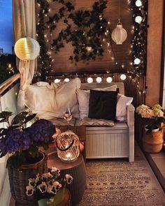Small Balcony Decor, Balcony Design, Glass Balcony, Balcony Ideas, Apartment Balcony Decorating, Apartment Balconies, Diy Bedroom Decor, Diy Home Decor, Wall Decor