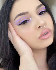 Image in makeup collection by - on We Heart It Edgy Makeup, Makeup Eye Looks, Eye Makeup Art, Colorful Eye Makeup, Cute Makeup, Black Eye Makeup, Retro Makeup, Simple Eye Makeup, Gorgeous Makeup