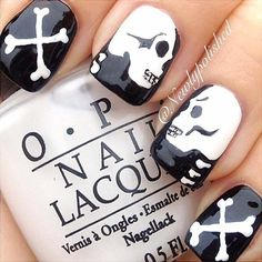 Check out these scary designs for Halloween nails! Halloween is so much fun! From choosing your costume to painting your nails, there is so much to do!