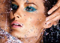 A maquiagem a prova d'água ajuda você a passar pelos dias mais quentes de verão com a pele linda e o make, intacto
