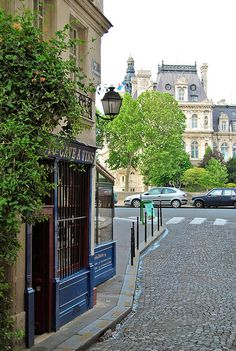 Rue de la Colombe - Paris, France