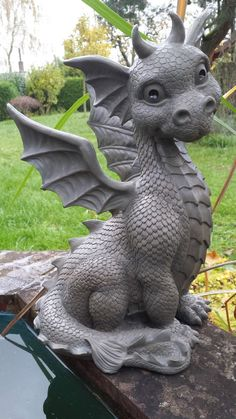 - Now available at: Fairfactory MF-Sitting Dragon Very Large XXL XXL Version Material: Polyresin (artificial stone) Clay Dragon, Dragon Art, Dragon Garden, Dragon Figurines, Dragon Pictures, Dragon Statue, Cute Dragons, Garden Statues, Magical Creatures