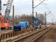 Ścianka szczelna z wciskanych grodzic stalowych - zabezpieczenie toru nr 2 linii Radom-Warszawa na czas przebudowy toru nr 50.