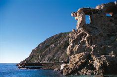 Il gigante di pietra di Monterosso, Cinque Terre, Liguria - © Walter Bilotta