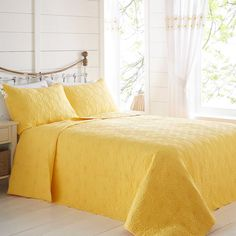 Daisy Border Bedspread by Kaleidoscope Yellow Bed Sheets, Yellow Bedding, Mustard Bedroom, Duvet Sets, Bed Spreads, Daisy, Home And Garden, Cushions, Furniture