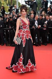 frederique-bel-cafe-society-premiere-and-the-opening-night-gala-2016-cannes-film-festival-6