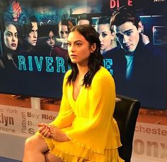 Detox Water For Clear Skin, Pretty People, Beautiful People, Camila Mendes Veronica Lodge, Camila Mendes Riverdale, Camilla Mendes, Celebrity Film, Riverdale Cast, Veronica Roth