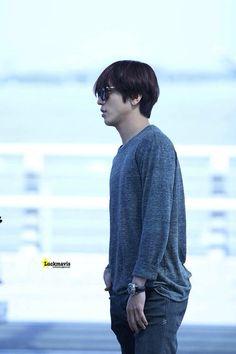 Cnblue YH at airport (Korea >>>> LA)